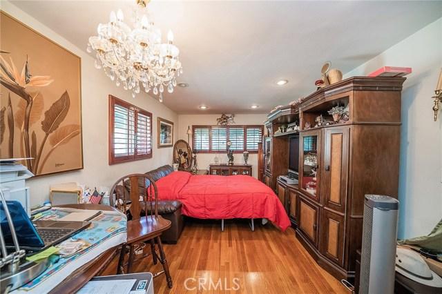 10871 Olinda Street, Sun Valley CA: http://media.crmls.org/medias/956bbf95-44ca-4632-95bf-3fbda78fdcb0.jpg