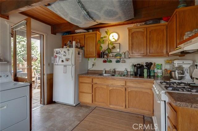 2187 4th Lane, Big Bear CA: http://media.crmls.org/medias/9574d29f-ec77-4602-9163-3949f0dfe30c.jpg