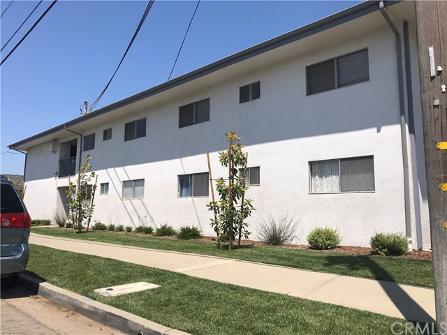 127 Agnes Avenue, Santa Maria CA: http://media.crmls.org/medias/957c9304-0025-4cee-87b4-7c314a9ccac6.jpg