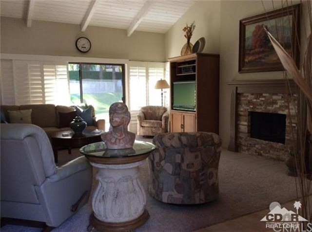 46634 Mountain Cove Drive Drive, Indian Wells CA: http://media.crmls.org/medias/95a4040c-deb8-4a11-b8d0-1d0cc49571f7.jpg