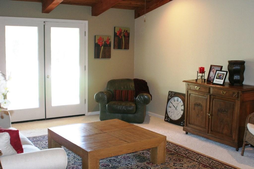 2080 Bidwell Avenue, Chico CA: http://media.crmls.org/medias/95ac3a8a-b25d-4a9e-b477-3d762052e74f.jpg