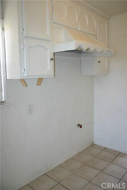 15808 Victoria Avenue, La Puente CA: http://media.crmls.org/medias/95c1e6fa-30d5-4ca1-8945-53d750175370.jpg