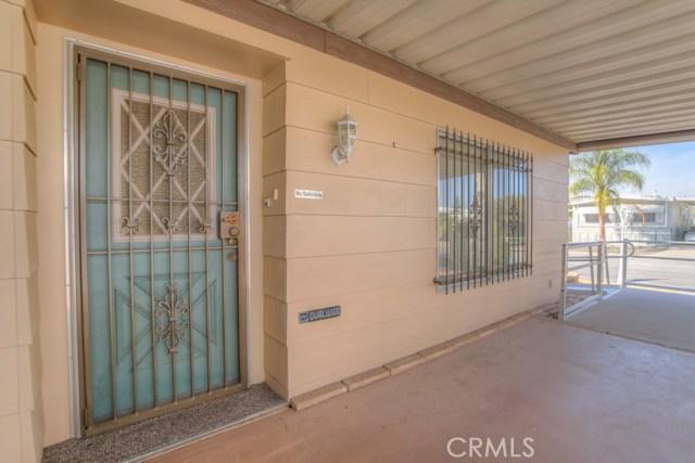 26098 Fountain Palm Drive, Homeland CA: http://media.crmls.org/medias/95cf20a6-ad08-43ba-9c73-eb550f831cb5.jpg