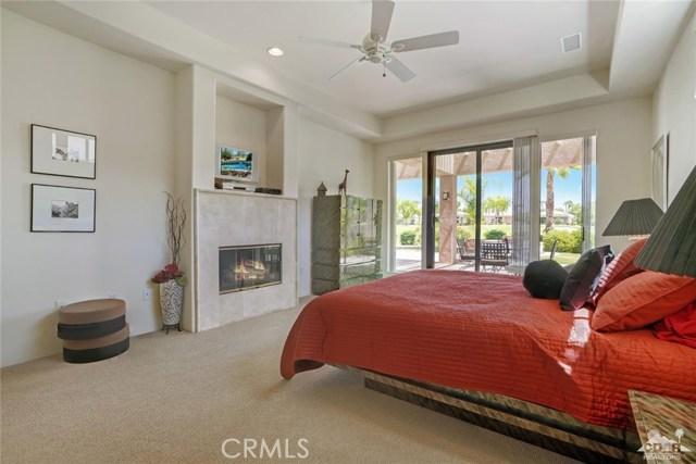 10 Via Haciendas, Rancho Mirage CA: http://media.crmls.org/medias/95e2c1ed-9c1e-456c-b2c5-1049cea6338e.jpg