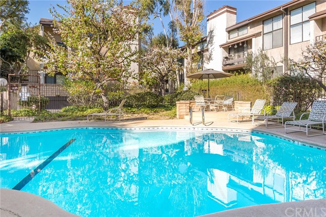 8675 Falmouth Avenue, Playa del Rey CA: http://media.crmls.org/medias/95ef578f-2190-4625-b472-18b17764abe0.jpg
