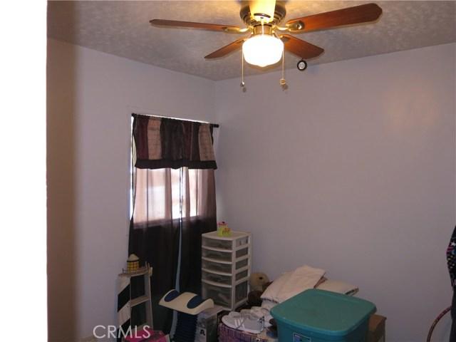 2221 Dickerman Place, Pomona CA: http://media.crmls.org/medias/95ffe3fc-033e-41a5-9835-cb596d92c665.jpg