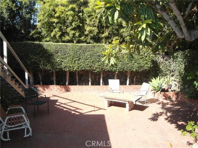 520 Oak Street, Laguna Beach CA: http://media.crmls.org/medias/95ffeb4f-adbe-40d0-985b-daef35cadecf.jpg