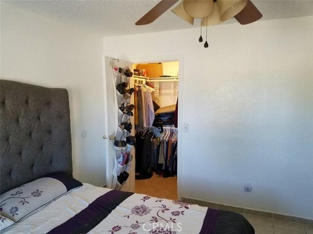 40315 E 167th Street, Lake Los Angeles CA: http://media.crmls.org/medias/9608dcc3-d393-474a-845e-ef6f44098a90.jpg