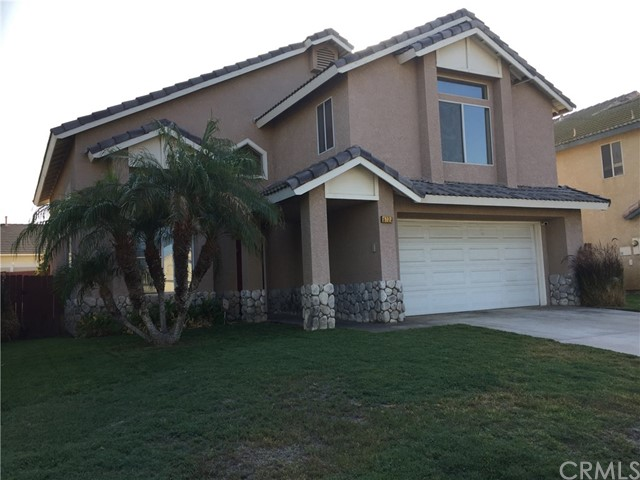 5193 Sierra Cross Way, Riverside CA: http://media.crmls.org/medias/96302055-6c34-42b7-a184-73f0fa7e6402.jpg