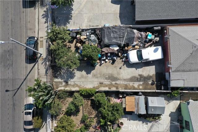 15725 S Frailey Avenue, Compton CA: http://media.crmls.org/medias/963fb967-8c09-4b44-bbad-77ddeea6790a.jpg