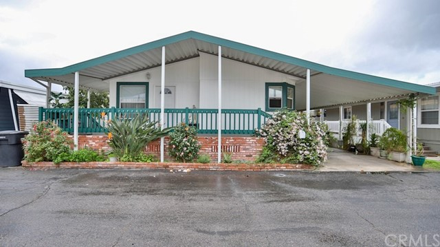 3050 W Ball Road, Anaheim CA: http://media.crmls.org/medias/9643e344-360a-4147-b771-d016ecb80a13.jpg