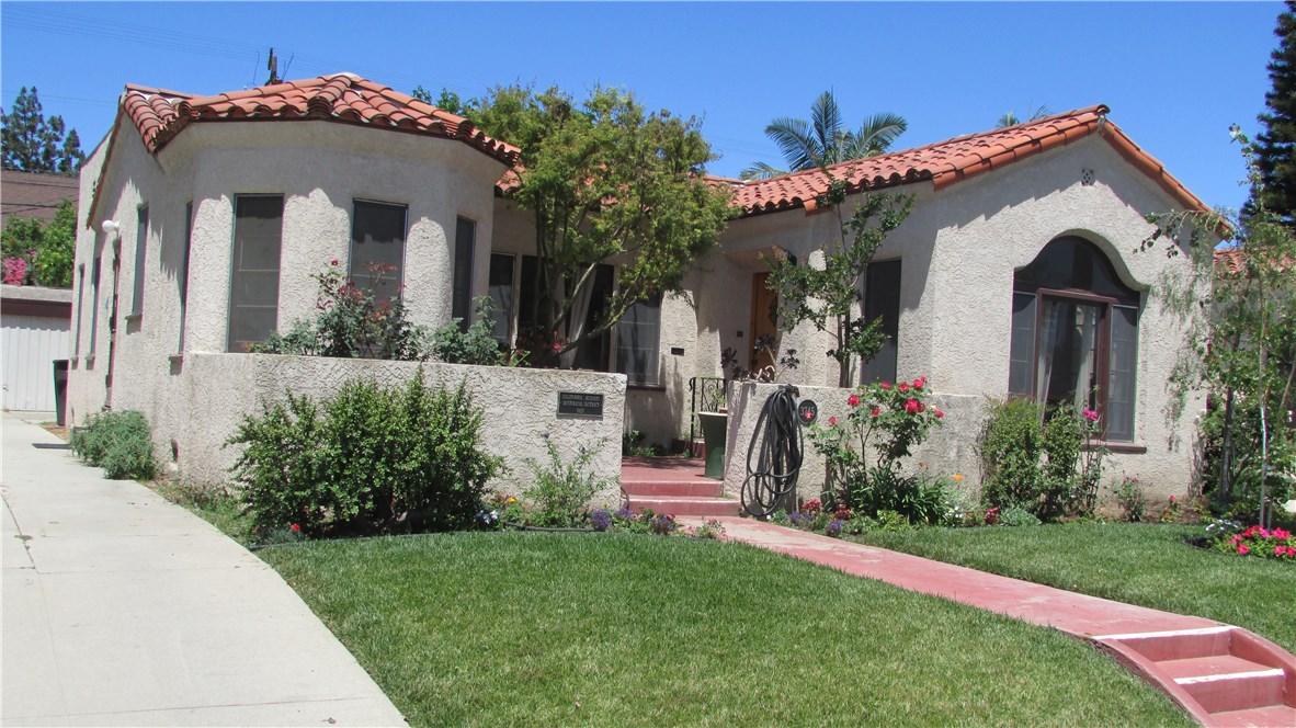 3745 Lime Avenue, Long Beach CA: http://media.crmls.org/medias/964c3baf-fa2f-46f8-a819-4fc1d0efb175.jpg