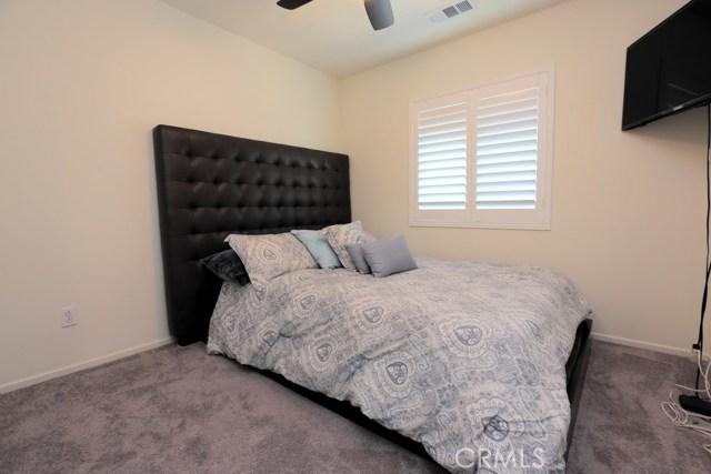 7363 Saddlewood Drive, Fontana CA: http://media.crmls.org/medias/965c361f-ee10-4ed6-b07e-82063b62a460.jpg