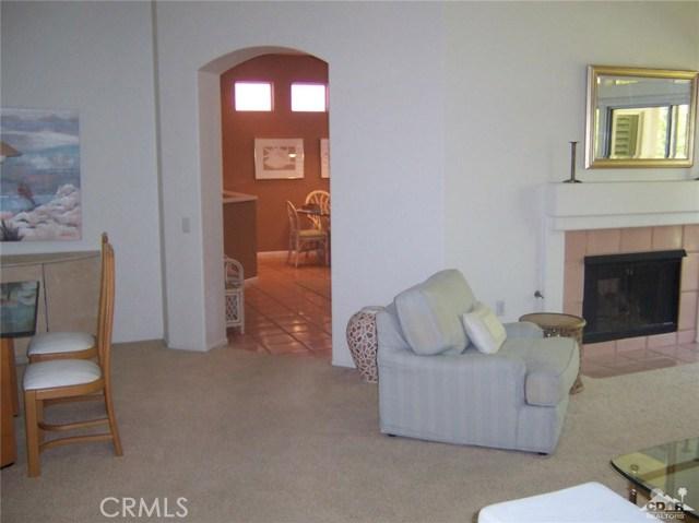 78591 Purple Sagebrush Avenue, Palm Desert CA: http://media.crmls.org/medias/9673f652-4f51-4a35-b552-821a76cc72c9.jpg