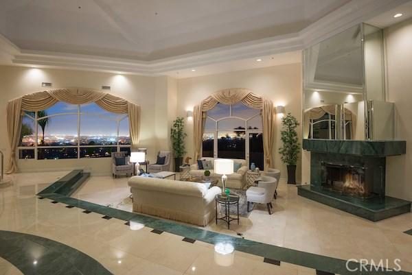 独户住宅 为 销售 在 702 Via La Cuesta 702 Via La Cuesta 帕罗斯, 加利福尼亚州 90274 美国