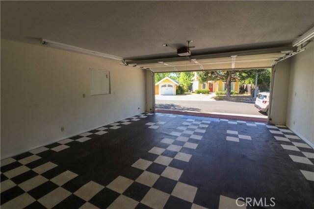 15198 Harbor Lane, Clearlake CA: http://media.crmls.org/medias/9675bbfa-c9a9-40d7-a416-fa91774a1280.jpg