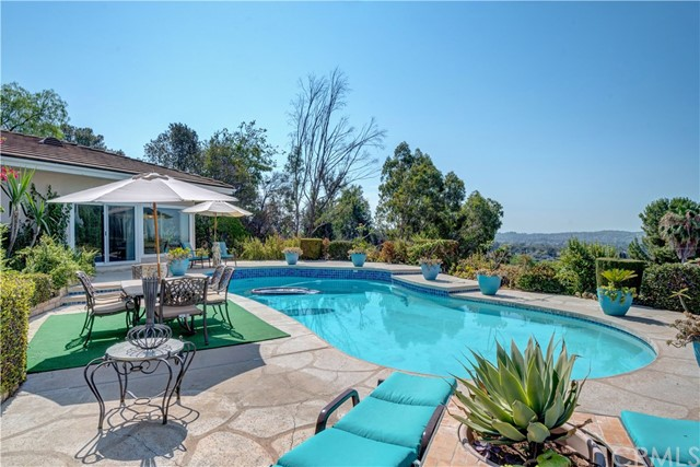 1440 Vista Del Valle Way, La Habra Heights CA: http://media.crmls.org/medias/967aca45-6512-4f54-986f-d63b7508118d.jpg