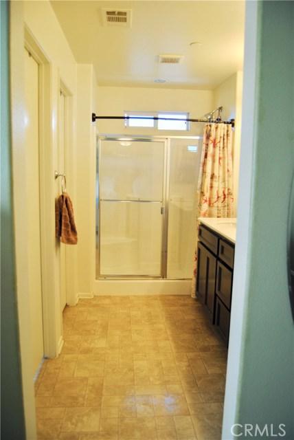 14975 S Highland Ave, Fontana CA: http://media.crmls.org/medias/967f0cb4-c172-4a44-a0f1-96429c5c36cd.jpg
