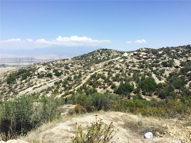 Additional photo for property listing at 18 Polley  Nuevo, California 92567 United States