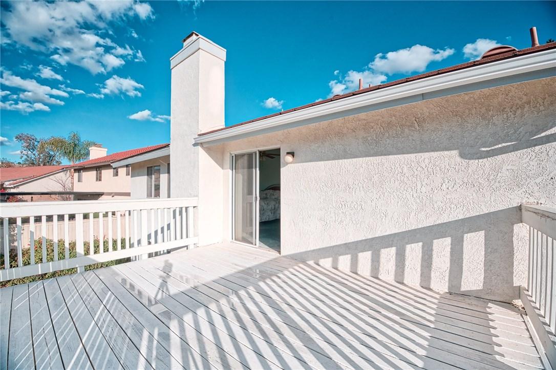 10271 Canyon Vista Road, Moreno Valley CA: http://media.crmls.org/medias/968715c1-a05c-435e-a4d0-d6efa98a0a49.jpg