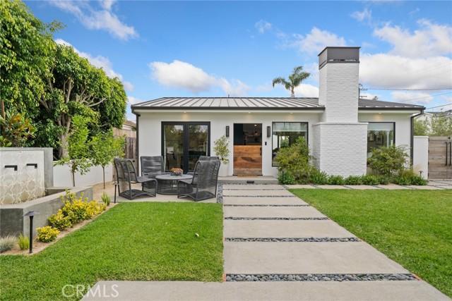 547 Santa Ana Avenue, Newport Beach, California 92663, 3 Bedrooms Bedrooms, ,2 BathroomsBathrooms,Residential Purchase,For Sale,Santa Ana,NP21144322