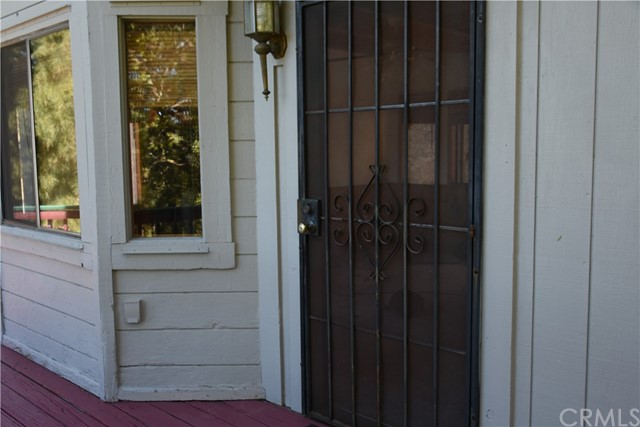 25105 Jewel Drive, Crestline CA: http://media.crmls.org/medias/968abae1-c203-4ad2-b0c2-5a8f241134ae.jpg