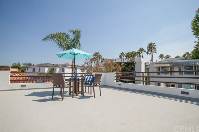 220 The Toledo Long Beach, CA 90803 - MLS #: PW17156689
