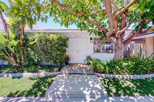 2132 E Ocean Boulev Newport Beach, CA 92661 is listed for sale as MLS Listing OC18117431