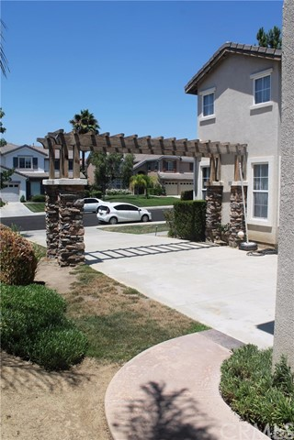 27145 Cherry Grove Ct, Temecula, CA 92591 Photo 2