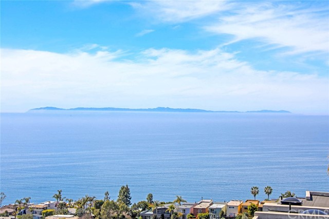 908 Quivera Street, Laguna Beach CA: http://media.crmls.org/medias/96a6573c-a72a-49c9-9daf-a87c0c768d2c.jpg