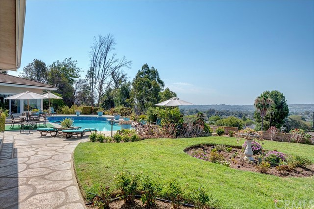 1440 Vista Del Valle Way, La Habra Heights CA: http://media.crmls.org/medias/96a85335-b107-4692-9aaf-d56718baa589.jpg