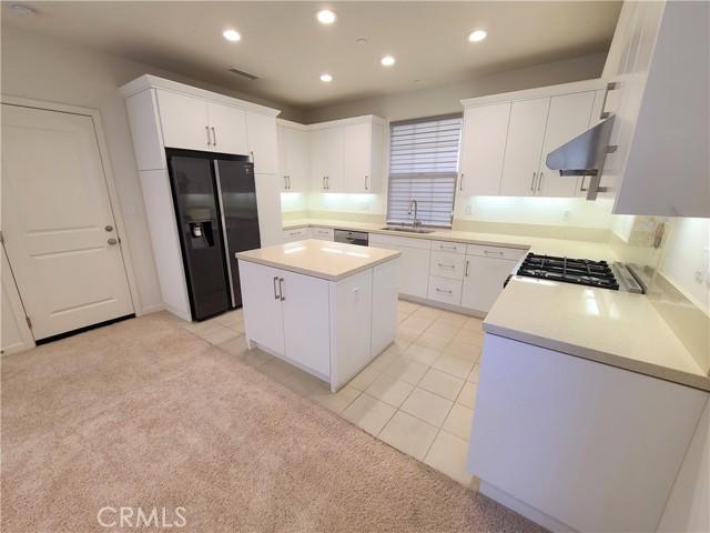 Excursion, Irvine, California 92618, 3 Bedrooms Bedrooms, ,2 BathroomsBathrooms,Condominium,For Sale,Excursion,OC21036912