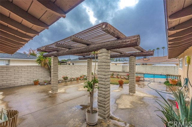 7533 Leucite Avenue, Rancho Cucamonga CA: http://media.crmls.org/medias/96e25394-f48f-4993-bd71-6c3c61537453.jpg