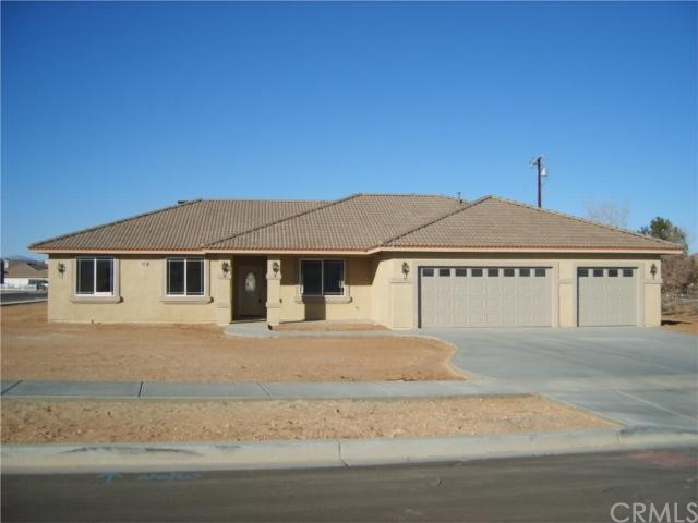15092 Douglas  Apple Valley CA 92307