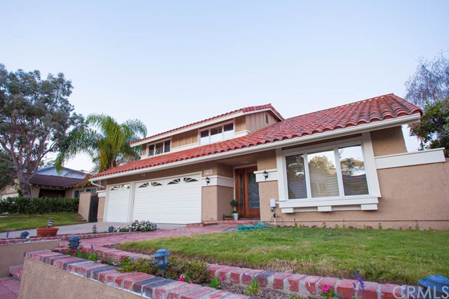Single Family Home for Sale at 27302 Galvez St Mission Viejo, California 92691 United States