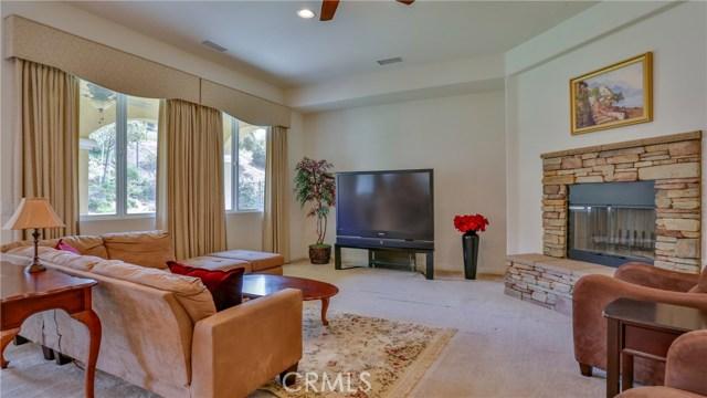 10911 Plum View Lane, Yucaipa CA: http://media.crmls.org/medias/96eec156-5f48-4e2d-af53-4f028a9ceea2.jpg