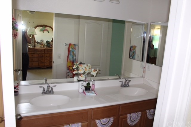 1130 Laurelhurst Heights, San Jacinto CA: http://media.crmls.org/medias/96f236f1-7b45-473b-8ebe-8b9998737e36.jpg