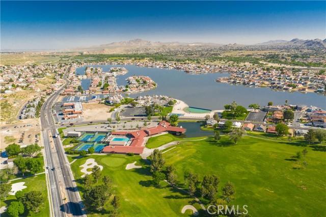 13330 Palos Grande Drive, Victorville CA: http://media.crmls.org/medias/96fe7e10-d271-42ef-ab37-41481bebd11f.jpg