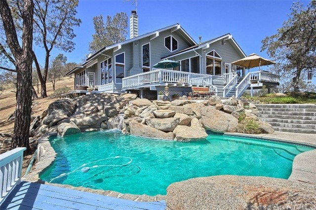 Single Family Home for Sale at 42058 John Muir Drive Coarsegold, California 93614 United States