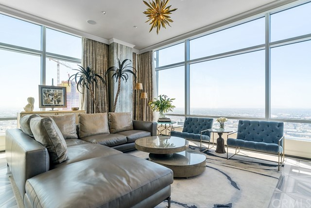 Condominium for Sale at 900 Olympic Boulevard Unit 45a 900 W Olympic Boulevard Los Angeles, California 90015 United States