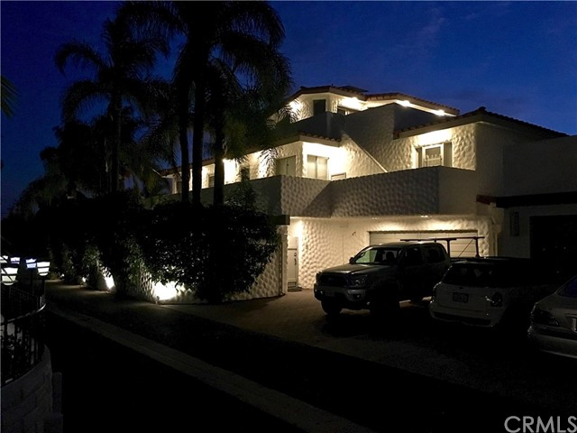 5297 Appian Way, Long Beach CA: http://media.crmls.org/medias/9708f1b7-e80e-4aff-b1ec-d63dfc3645ff.jpg