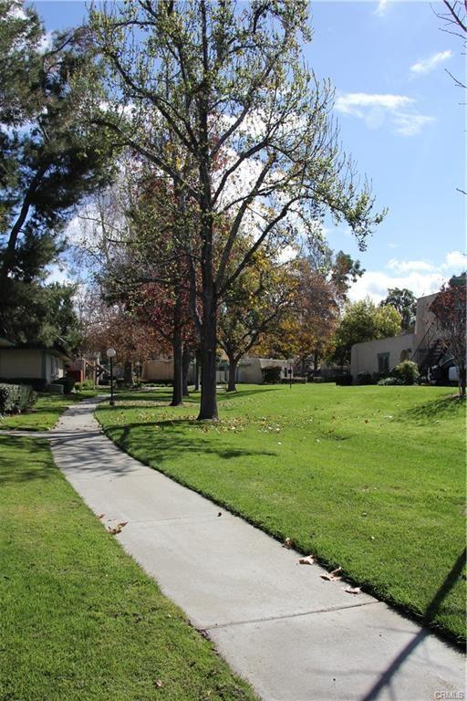 2530 Colgate Way, Riverside CA: http://media.crmls.org/medias/9710b216-fb00-4526-a99a-7341227b22fc.jpg