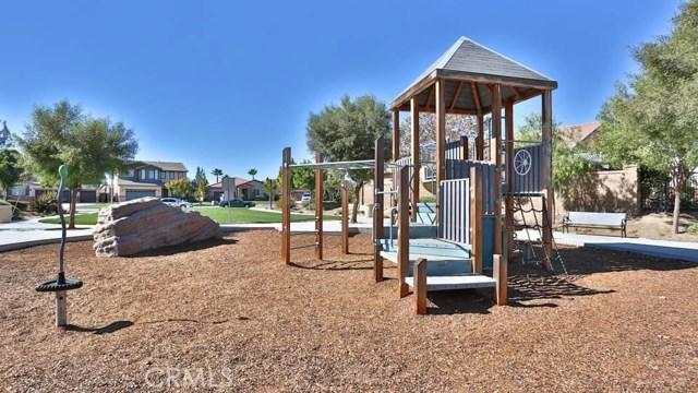 29111 Rocky Point Court, Menifee CA: http://media.crmls.org/medias/971103f7-740a-48aa-8678-1c83f0f4f2c8.jpg