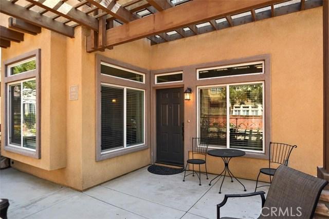 6387 Juneberry Way, Riverside CA: http://media.crmls.org/medias/97286460-79ef-4d78-988e-7b102c43bba7.jpg