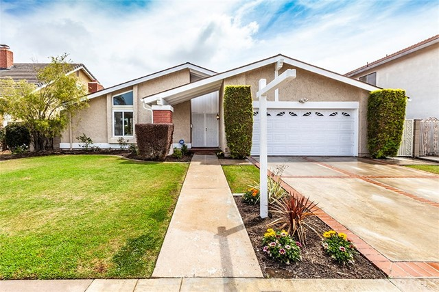 20242 Colonial Circle Huntington Beach, CA 92646 OC18101683