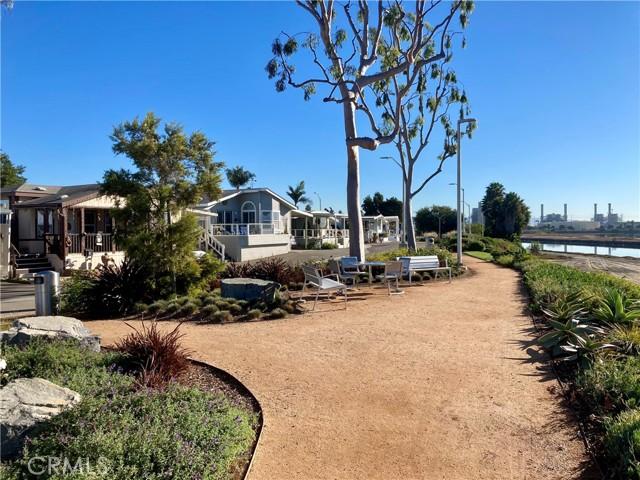 6203 Golden Sands Lane, Long Beach CA: http://media.crmls.org/medias/972c9106-57b2-4e35-99be-77209f802ab2.jpg