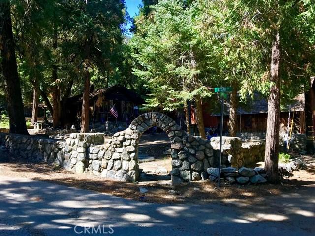 9334 Cedar Drive, Forest Falls CA: http://media.crmls.org/medias/973bc408-c573-48be-a481-44025cc577dc.jpg