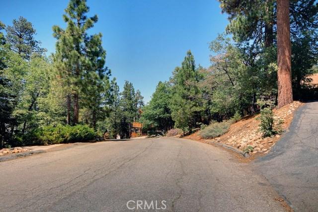 1369 La Crescenta Drive, Big Bear CA: http://media.crmls.org/medias/9742943b-93a5-43fb-9d5e-ee084d89a6cc.jpg