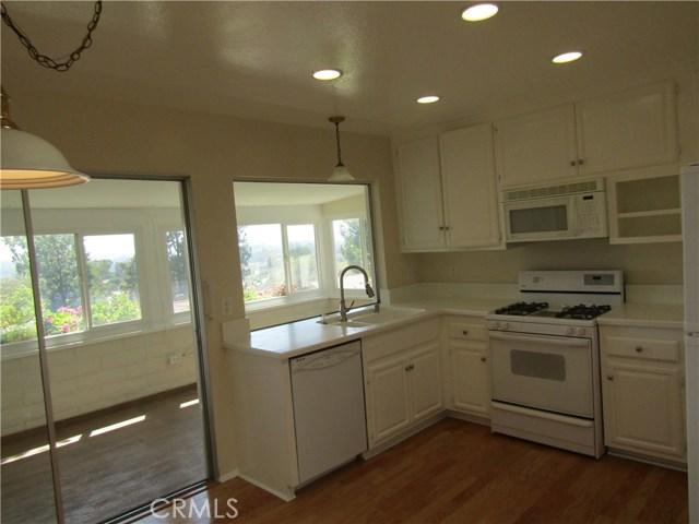 28032 Via Bonalde, Mission Viejo CA: http://media.crmls.org/medias/975267b6-fe60-4dd0-ba0c-426d90589527.jpg