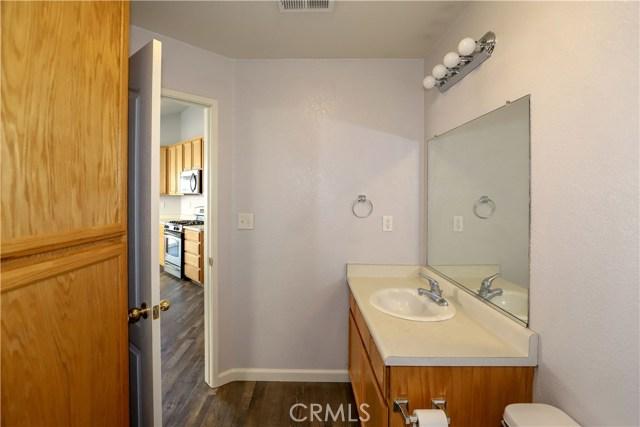 2432 N Drake Avenue, Merced CA: http://media.crmls.org/medias/975cb4f2-c15e-4b3f-9966-8a2837436d63.jpg